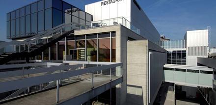 Agrandissement et rénovation de l'aérogare (Terminal T1)